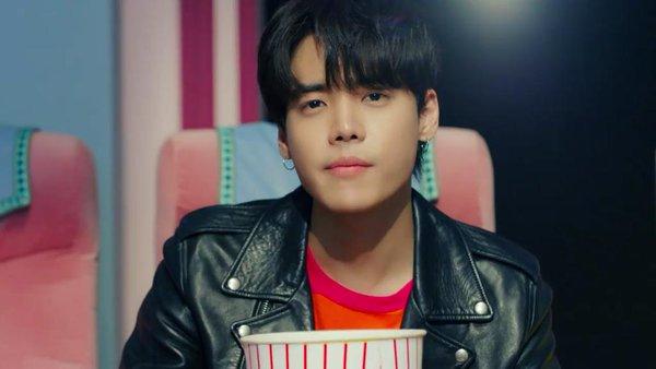 ONE esta preparando su debut bajo YG Entertainment.